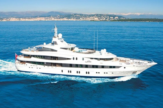 Superyacht NATITA Reduces Charter Rate