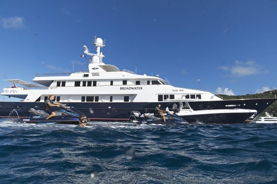 Superyacht BROADWATER Special Offer