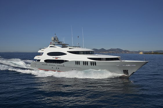 Superyacht Zoom Zoom Zoom cruising on charter in Bahamas