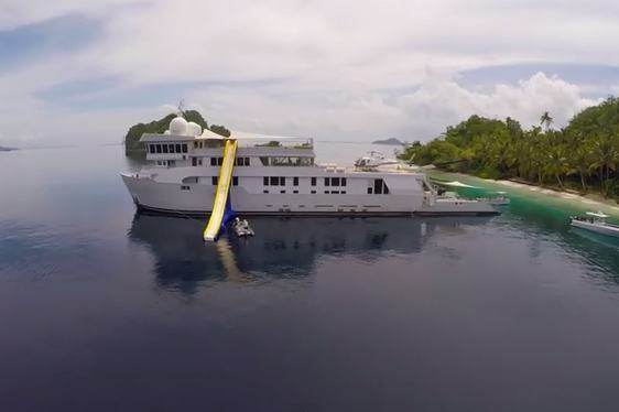 Video – Charter Yacht SuRi in Raja Ampat