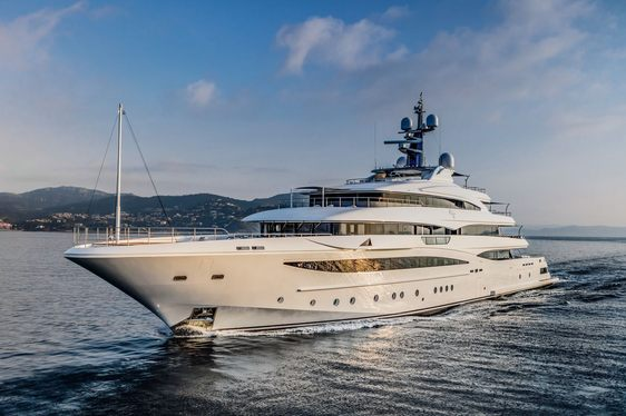 Charter Yacht 'Cloud 9' Wins World Yacht Trophy