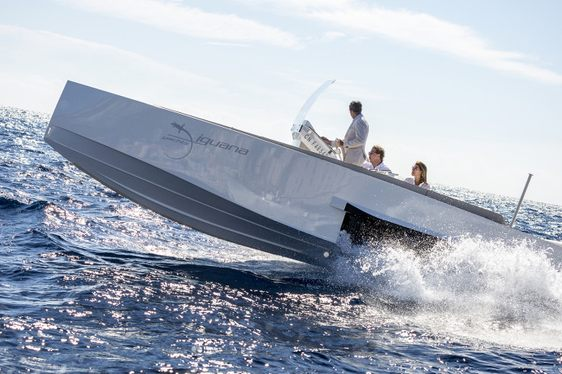 Could Amphibious Tenders Revolutionize Superyacht Charter Vacations?