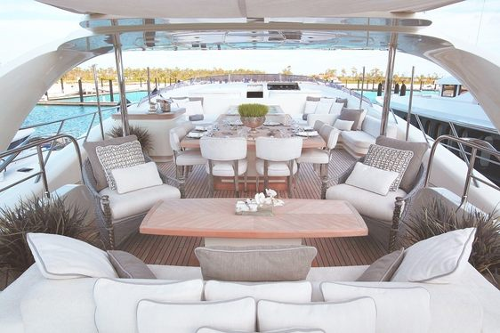Charter ISA Luxury Yacht 'Sealyon 37' for Less in the Bahamas
