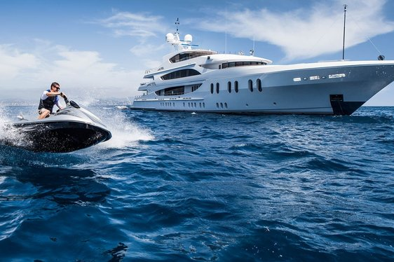 Superyacht 'Lady Sara' (ex 'Lady Linda') Rejoins Global Charter Fleet