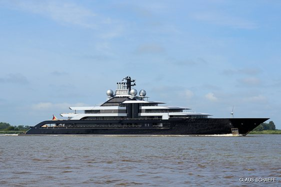 Superyacht Crescent side profile