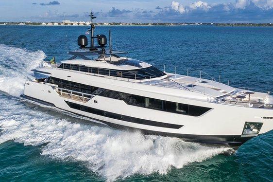 motor yacht Vista Blue cruising on a Caribbean yacht charter