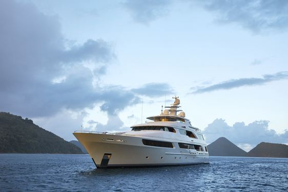 Motor Yacht 'Victoria del Mar' Offers Special Weekly Rate in Italy