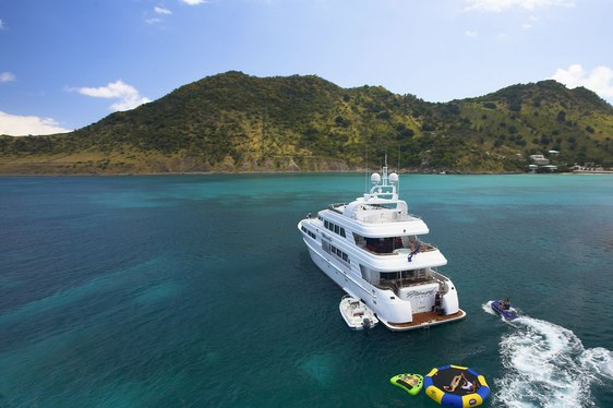 Motor Yacht NAMOH Lowers Charter Rate