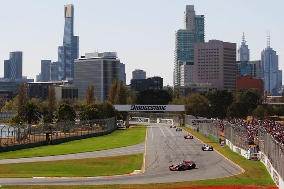 Cars racing in the Australian Grand Prix