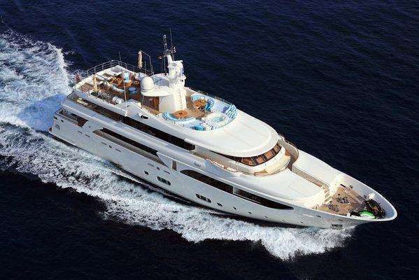 Hana Yacht Running Shot - Aerial