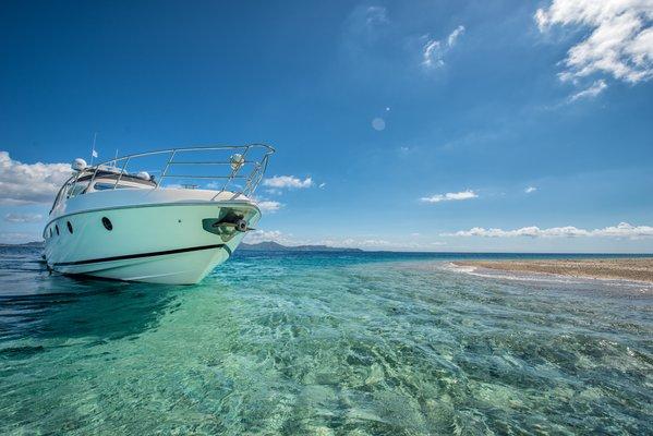Manu Yacht