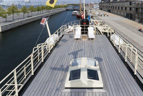 Navigator Sundeck - Overview