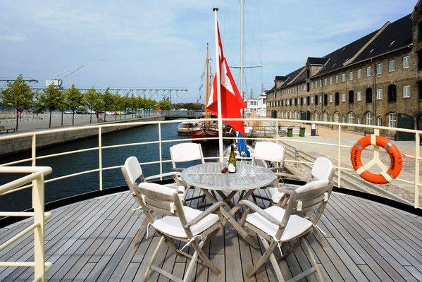 Navigator Yacht Top Deck