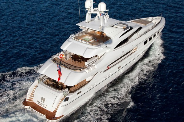 Manifiq Yacht Running Shot - Rear View