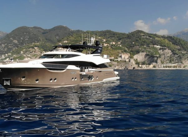 Croatia yacht charter special: no delivery fees for 30m VIVALDI