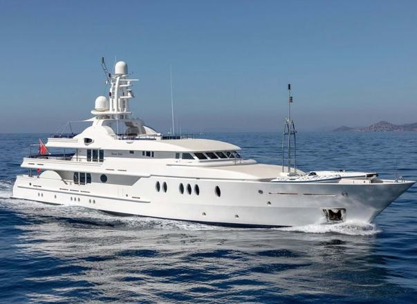Luxury yacht 'Deja Too' offering fantastic deal on Italy yacht charters