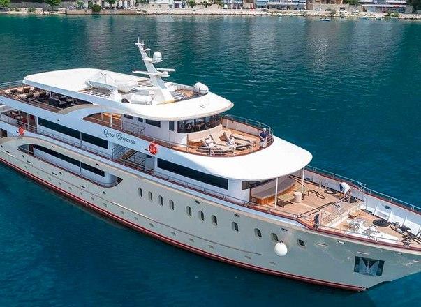 queen-eleganza-yacht-charter
