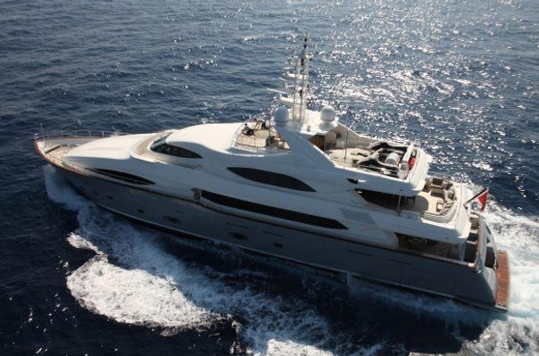 Libertas Yacht Running Shot