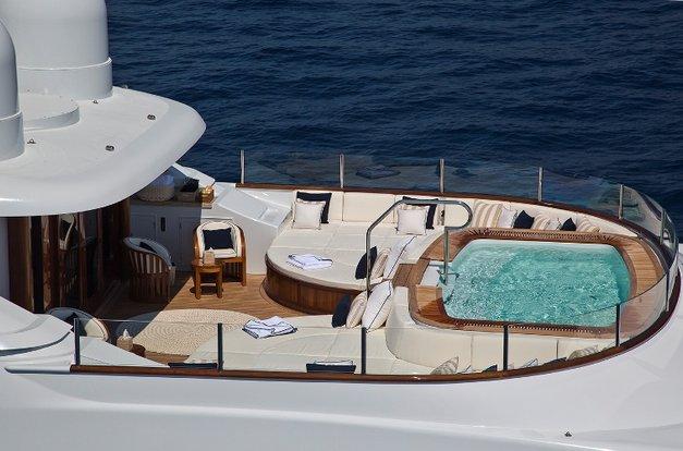 Flag Yacht