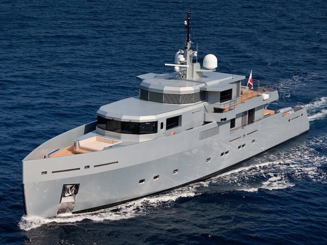 So'Mar Charter Yacht