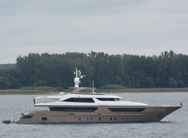 Pick Up Charter Yacht - 7