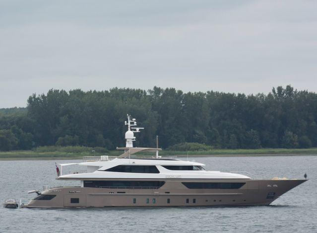 Pick Up Charter Yacht - 7