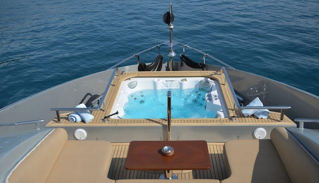 Funky Choice Charter Yacht - 3