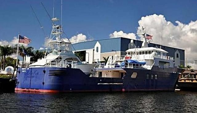 Flamingo Explorer Charter Yacht