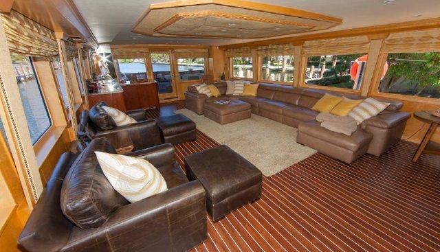 Island Vibe Charter Yacht - 4