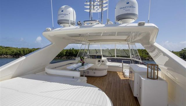 Crystal Parrot Charter Yacht - 3