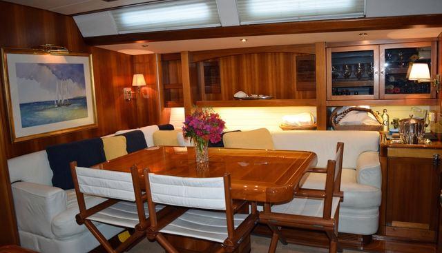 Luna Danns Charter Yacht - 3