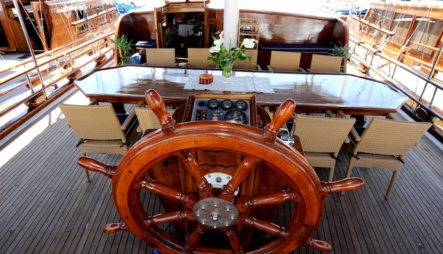 Perla Charter Yacht - 8