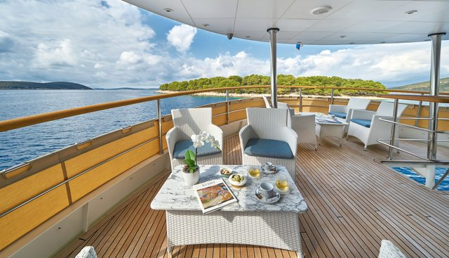 La Perla Charter Yacht - 3