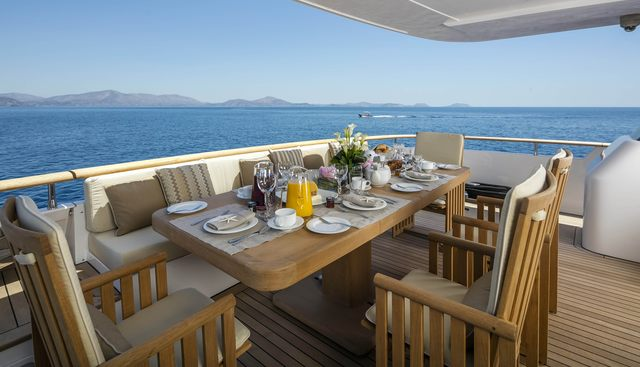 Alexia AV Charter Yacht - 4
