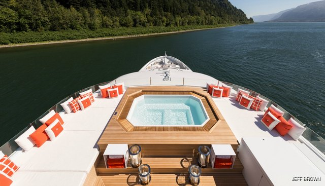 Chasseur Charter Yacht - 2