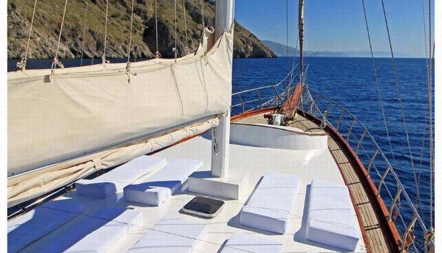 Azra Deniz Charter Yacht - 3