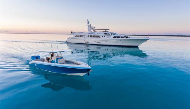No Buoys Charter Yacht