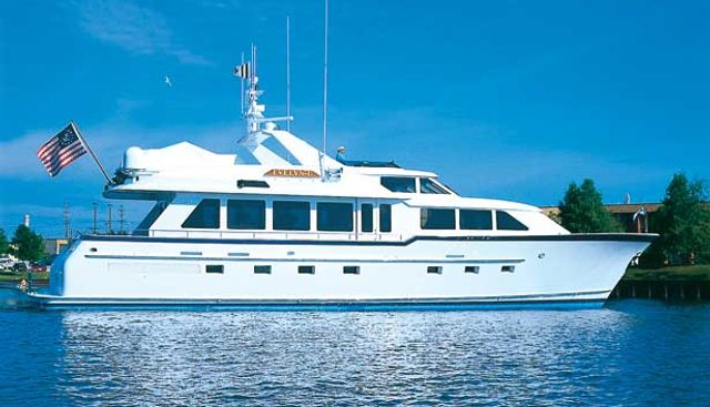 Roamin Holiday Charter Yacht - 3