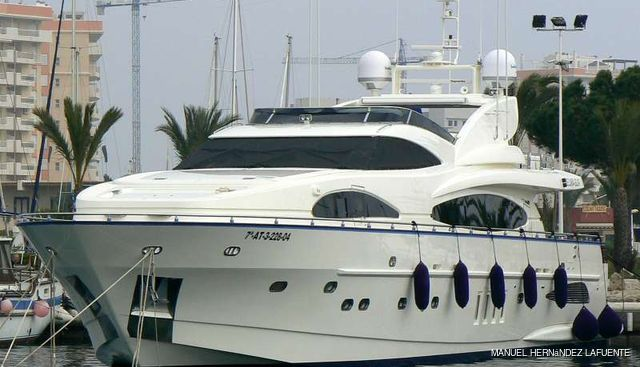 Magnifico Charter Yacht