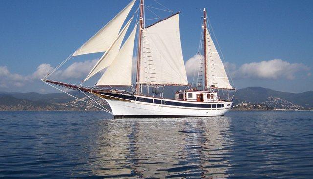 Andanza Charter Yacht