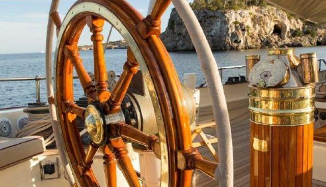 Silver Spray Charter Yacht - 5