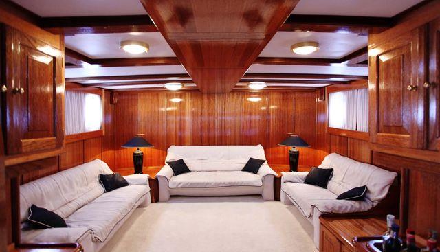 Buena Chica Charter Yacht - 5