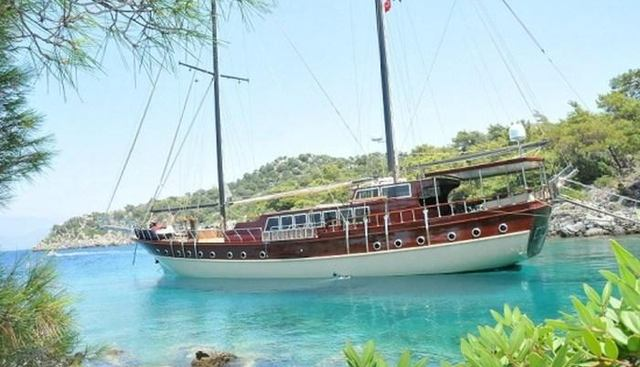 Brothers Charter Yacht - 2