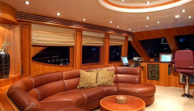 Lady Deanne V Charter Yacht - 6