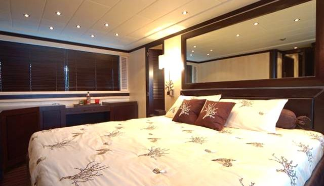 Number Five Charter Yacht - 3