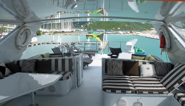 Decompression Charter Yacht - 5