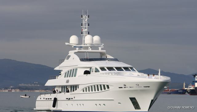 Ray Charter Yacht - 2