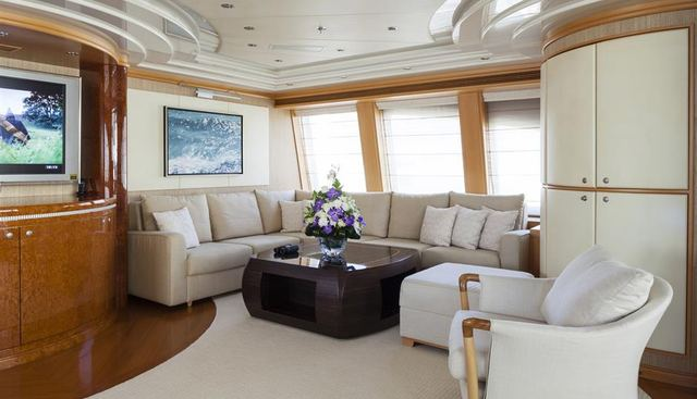 Red Sapphire Charter Yacht - 8