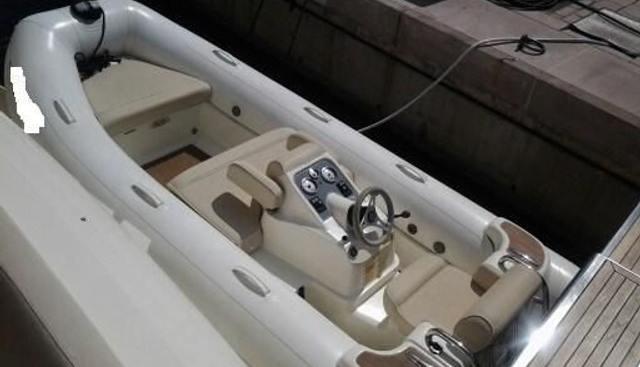 Azimut 78 Charter Yacht - 3