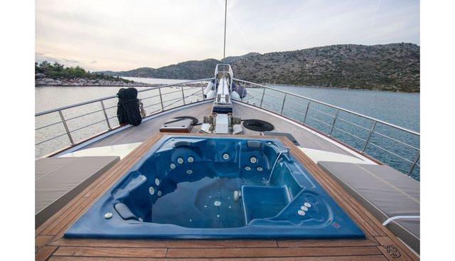 Nevra Queen Charter Yacht - 2